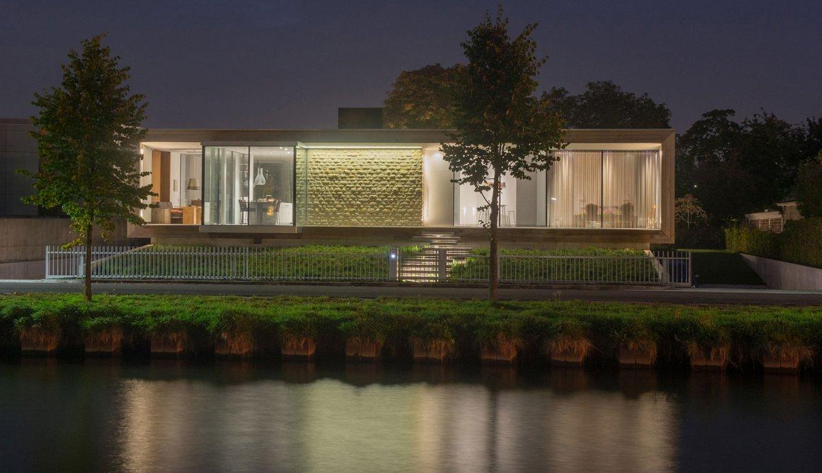 LIAG architects, M House, частные дома в Нидерландах фото, камин в частном доме, панорамные окна в частном доме фото