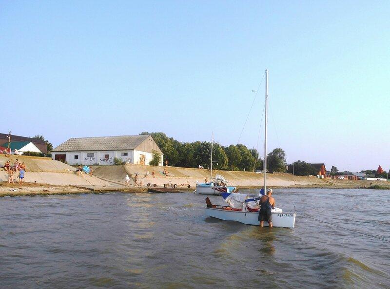 У берега, у яхтклуба ... DSCN7832.JPG