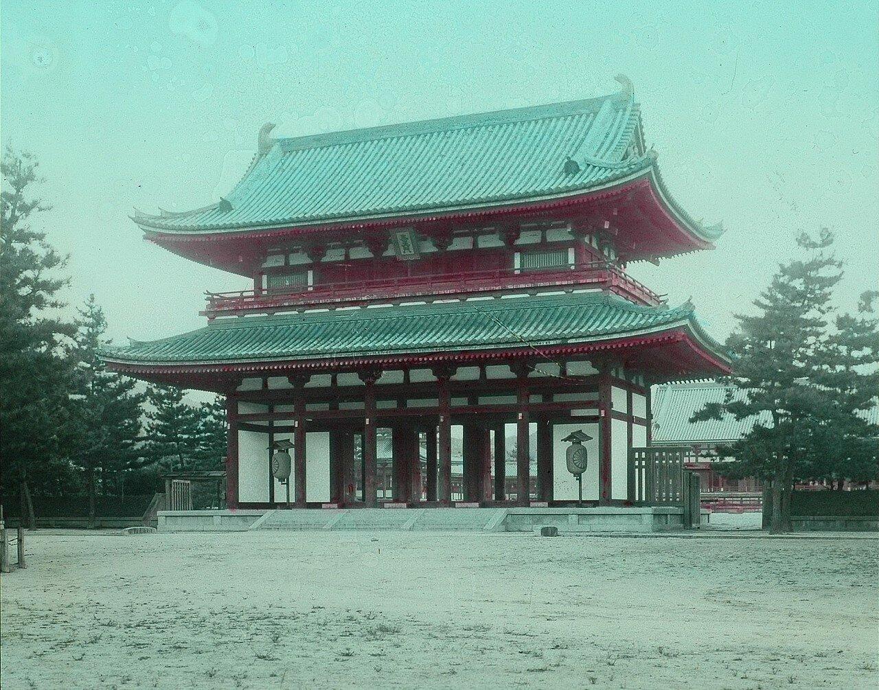 Киото. Главные ворота храмового комплекса Тофуку-дзи