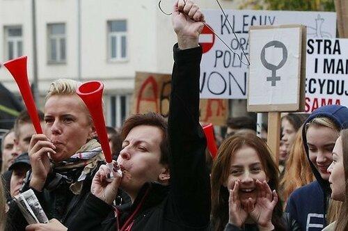 В Польше женщины протестуют против запрета абортов