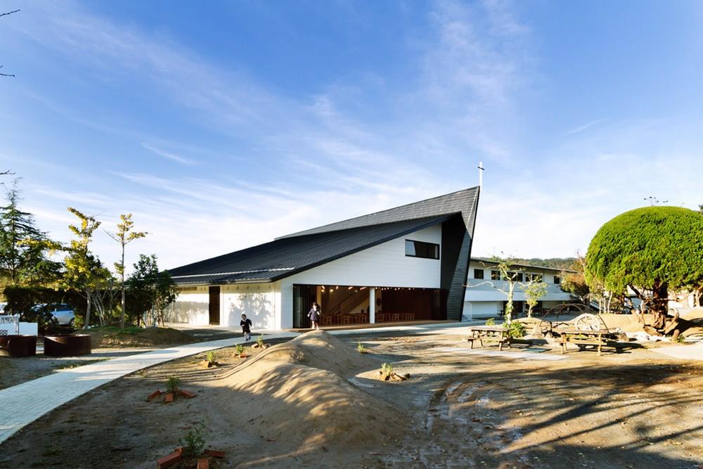 На заброшенном пустыре в Японии построили современный ясли-сад