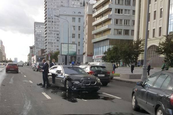 Помощник Путина Сурков попал в ДТП в центре Москвы. ВИДЕО+ФОТО