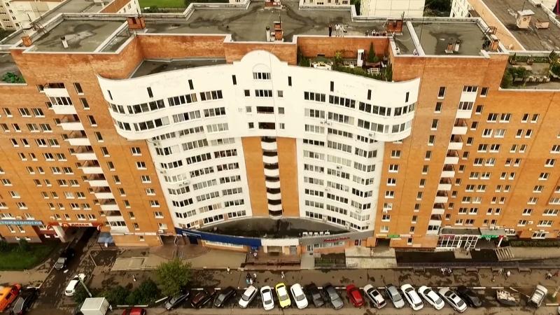 Житель Красногорска устроил курорт на крыше многоэтажки