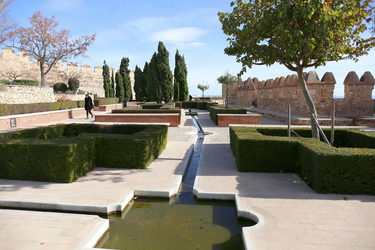 Almeria Alcazaba fortress, First fortification