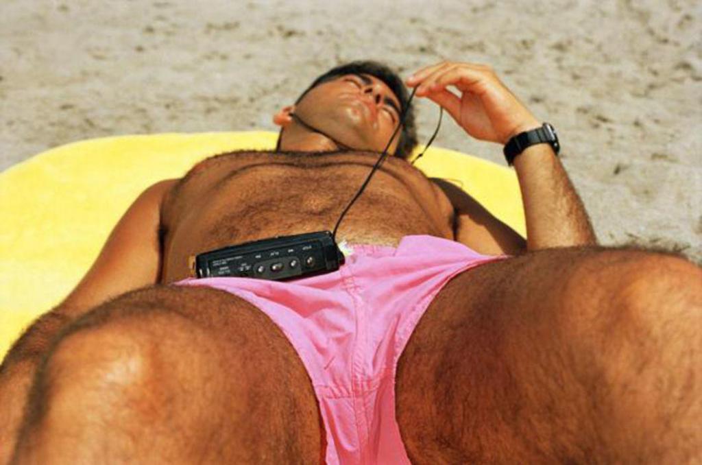 «Жизнь — это пляж». Кадры скандального фотографа Мартина Парра