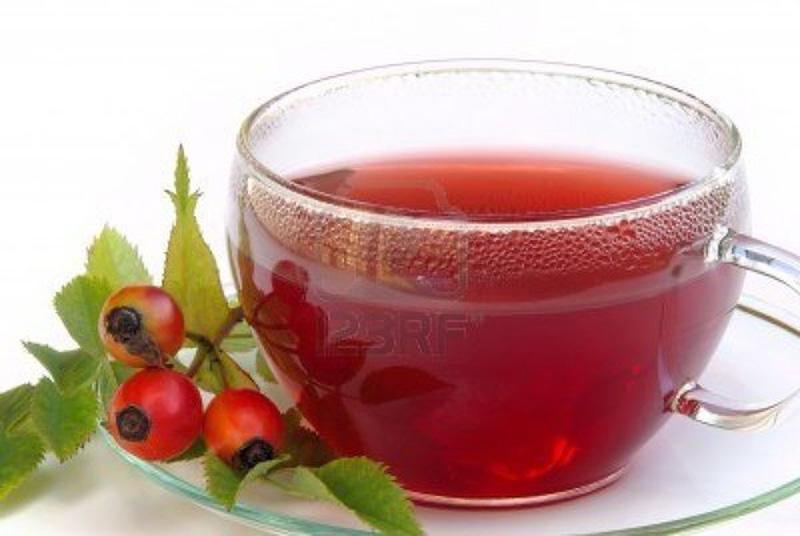 3. Чай из шиповника. Ни для кого не секрет, что шиповник — идеальный источник витамина С. Измельченн