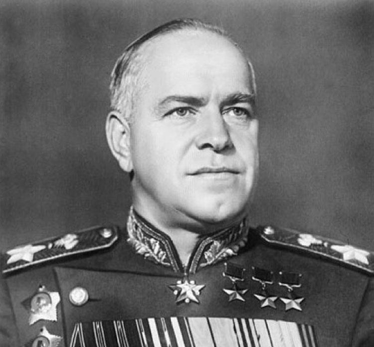 1. Жуков пил бесцветную кока-колу. Когда маршал Жуков встречался с Дуайтом Эйзенхауэром, командовавш