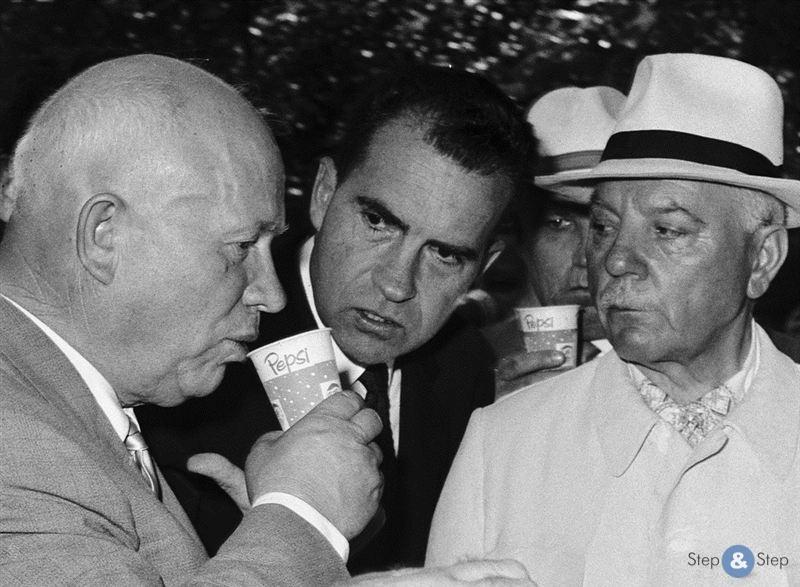 2. Никита Хрущев невольно прорекламировал давнего конкурента «Кока-Колы» — «Пепси». Извечная борьба