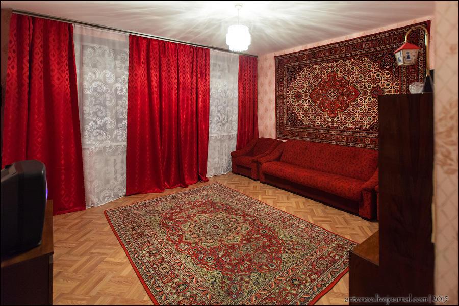 25.Не понятно почему эта комната стоит особняком, но она самая интересная для поколения 80-90-х. Эт