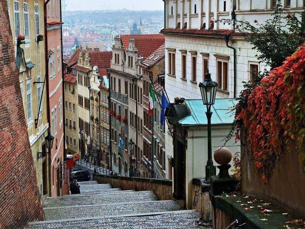 61. А теперь чешская столица переживает эпоху возрождения.