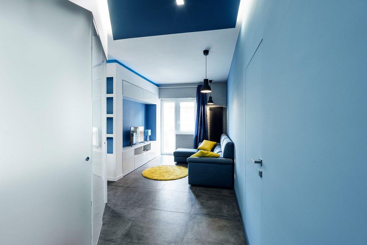 Brain Factory, Prismatic Blue Apartment, современный интерьер квартиры фото, яркий интерьер квартиры фото, гостиная объединенная с кухней фото