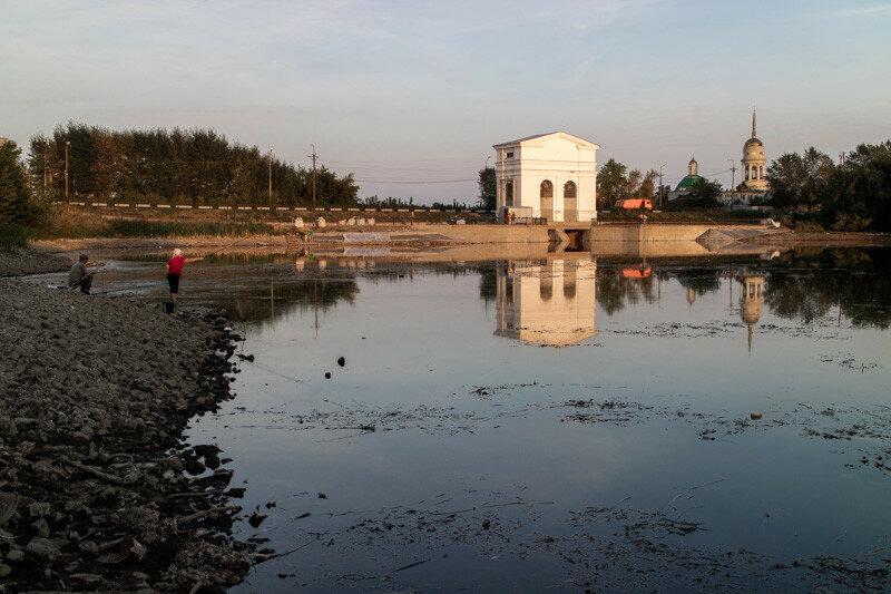 Плотина на реке Каменка в городе Каменск-Уральский