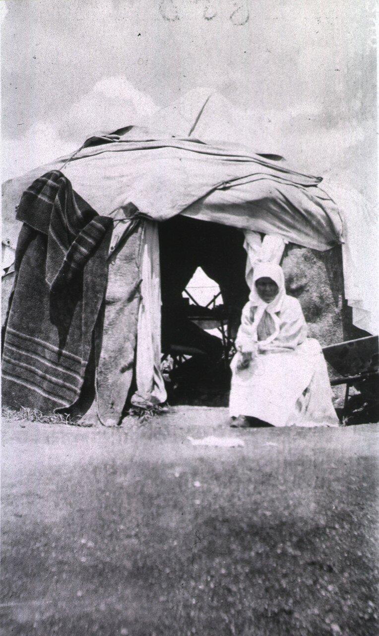 Госпиталь Витебского отделения Красного креста. Палатка медсестры