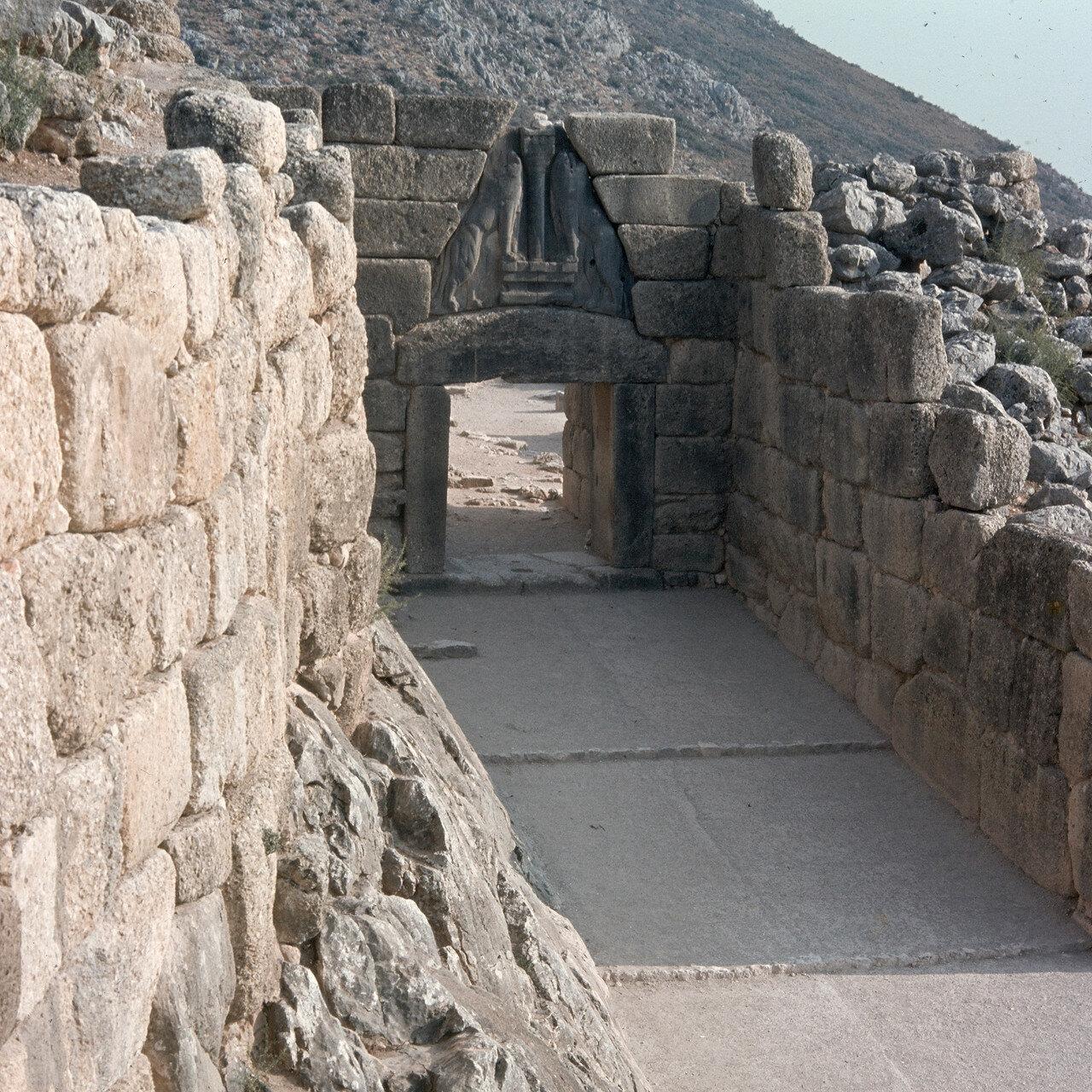 Микены. Стены и Львиные ворота. 1969