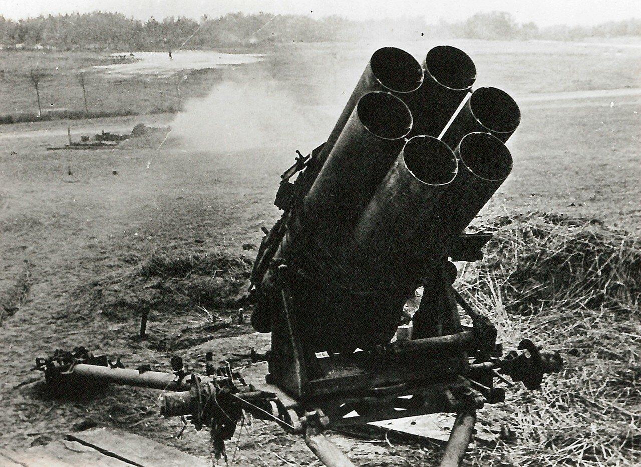 1945. Минометы, захваченные Красной Армией в боях на Зееловских высотах