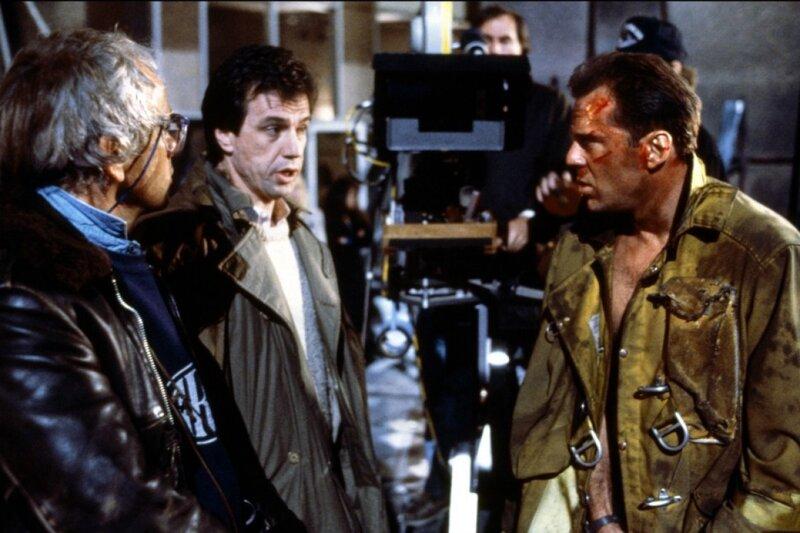 Почему Брюс Уиллис снялся в Пятом элементе в роли Корбена Далласа