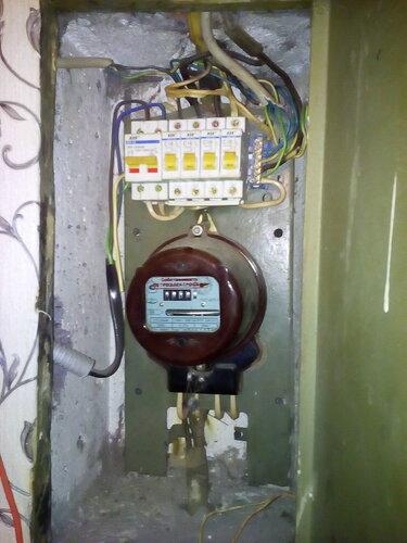 Вызов электрика аварийной службы в квартиру (Замшина улица, Калининский район СПб)