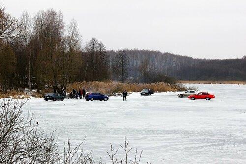 Заканчивается зимняя рыбалка на Рябчинском озере.
