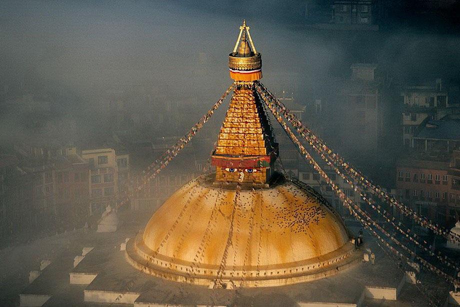 41. Ступа Буднатх - буддийский храм в Катманду.