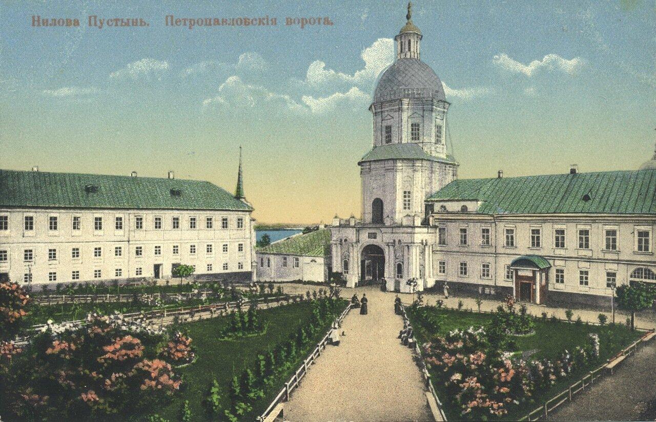 Петропавловские ворота