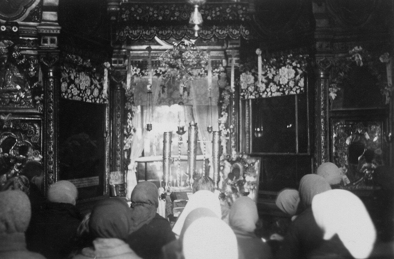 54. Русская Православная Церковь - Интерьер