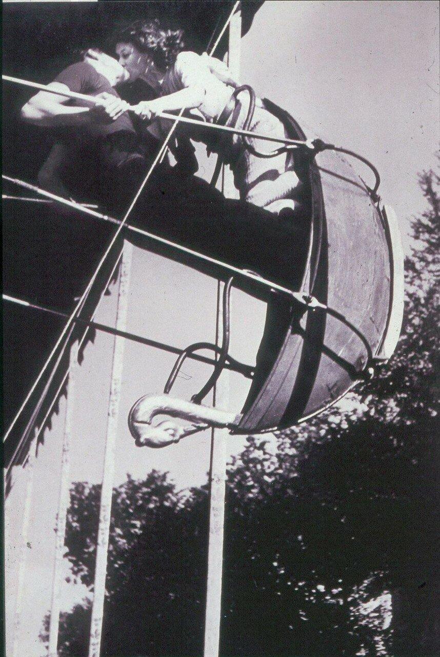 1934. Поцелуй на гигантских качелях, бульвар Сен-Жак