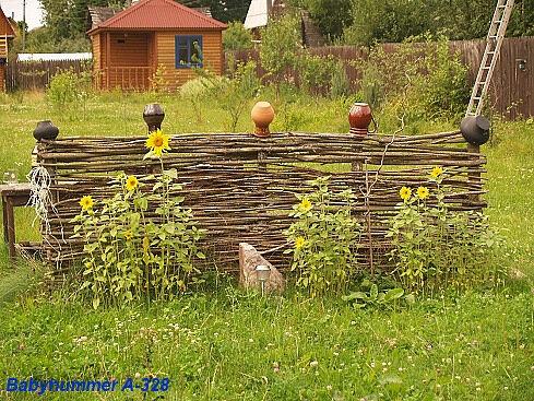 Плетение из ивы поделок для огорода