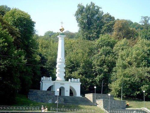 Вандалы надругались над памятником