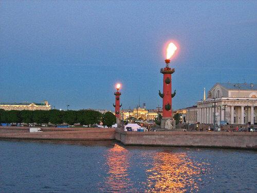 Стрелка Васильевского острова, здание бывшей Биржи