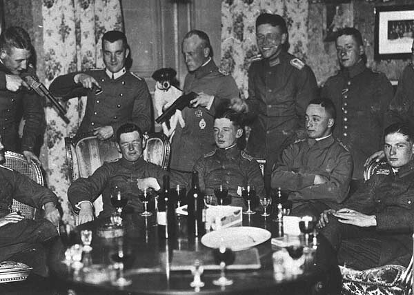 Еврейские асы германских Luftwaffe http://tapirr.livejournal.com/1419251.html