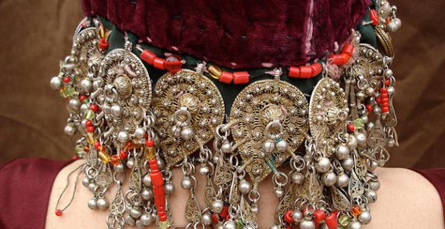 0 1293f5 26443f4b orig Свадебные наряды невесты в разных странах (головной убор)