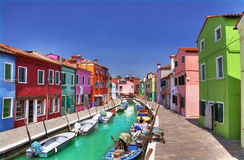 Фотографии 15 самых красочных маленьких городов мира 0 142481 fae18955 orig