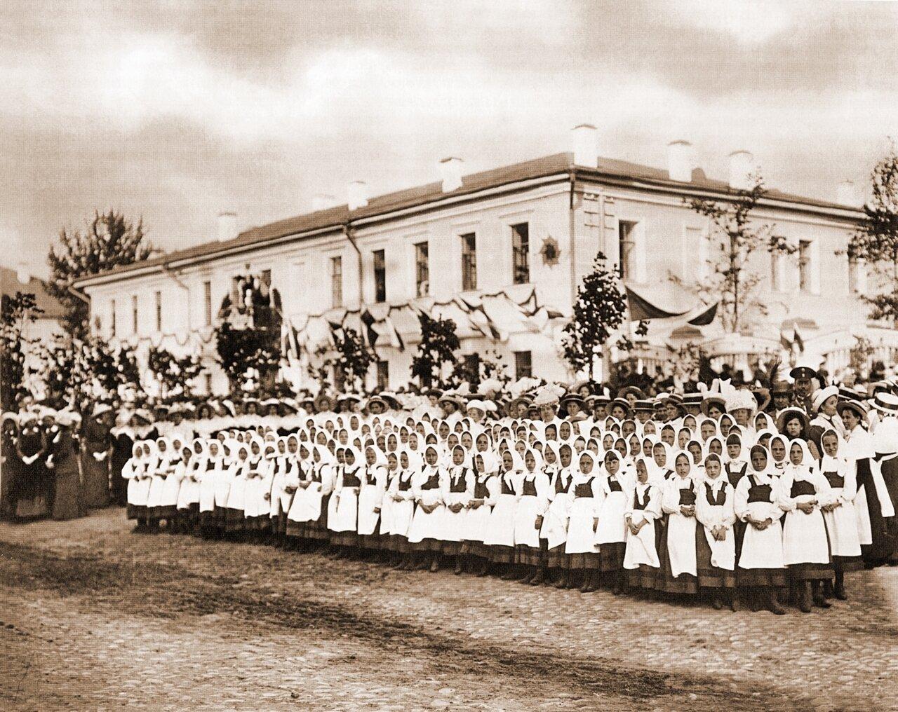 Учащиеся Костромских школ