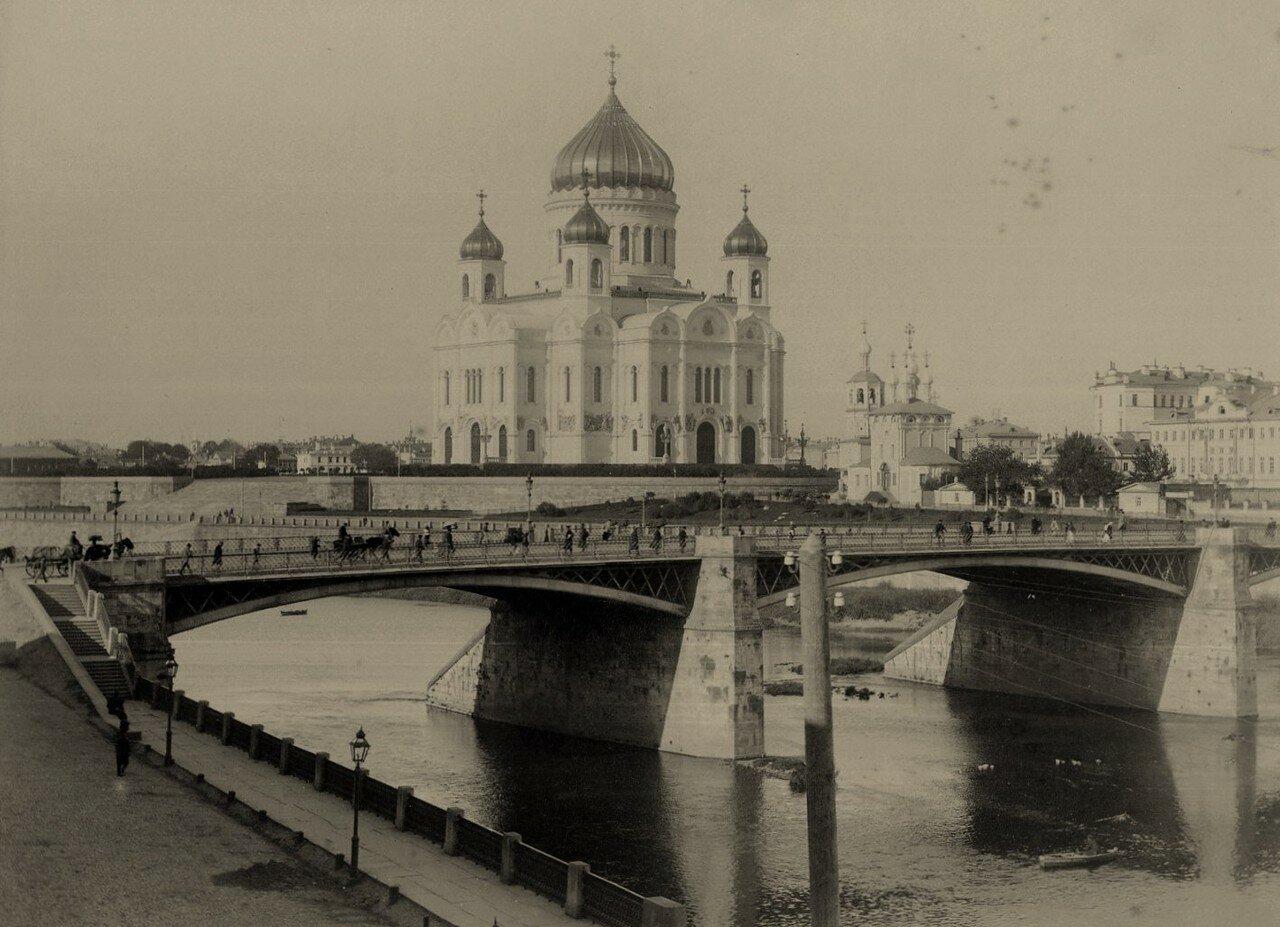 187. Вид на Большой Каменный мост и Храм Христа Спасителя.1890