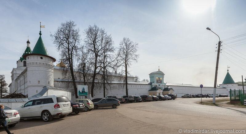 Свято-Троицкий Ипатьевский монастырь. Кострома. Золотое Кольцо России.