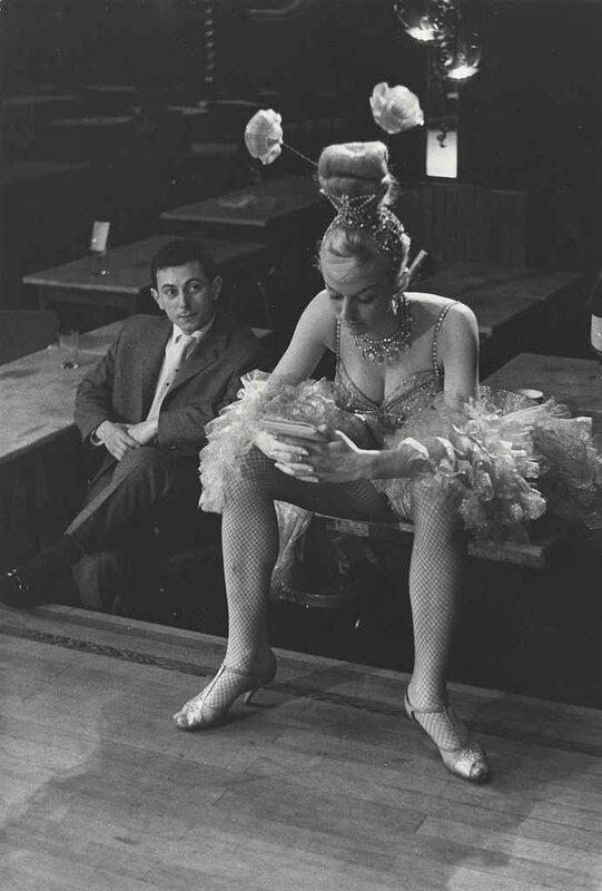 cabaret-dancer-paris-1950s-edouard-boubat.jpg