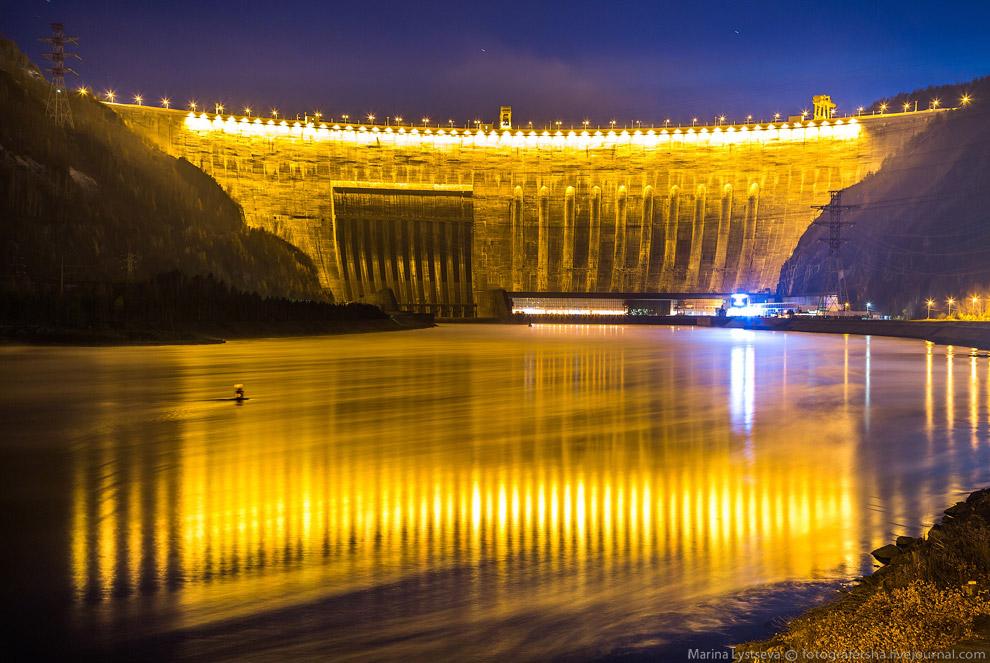 Также смотрит « Чиркейская ГЭС — самая высокая плотина в России » и « Итайпу — крупнейшая ГЭС в мире