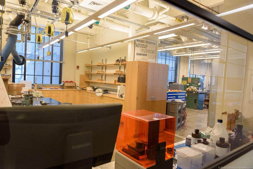 24. Это лаборатории отделения по изучения материалов.