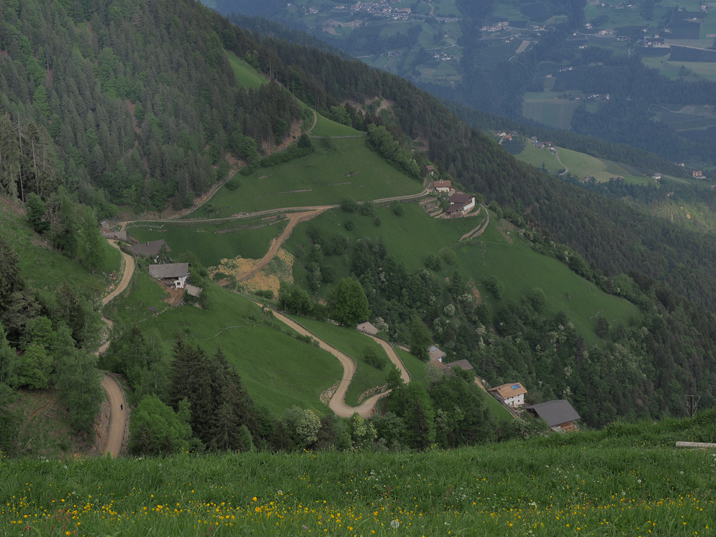 Путешествие на машине по Альпам