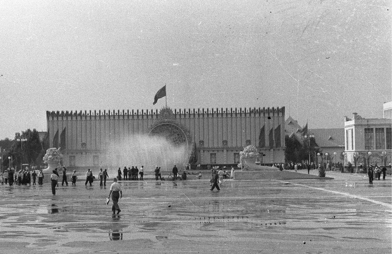 34. Павильон Украинской ССР
