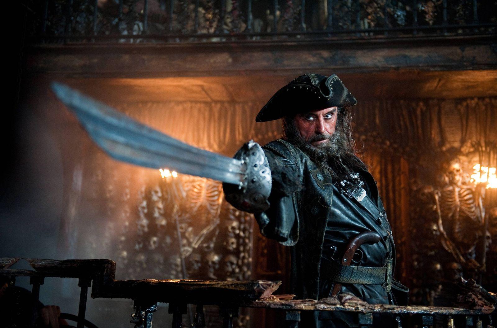Сравнивая все, что нам доподлинно известно о знаменитых пиратах, исследователи отмечают, что Эдвард