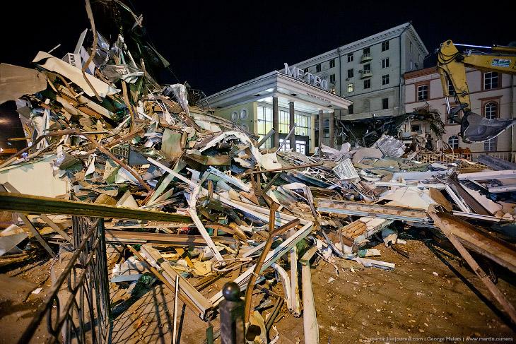 Снос торговых павильонов в Москве (34 фото)