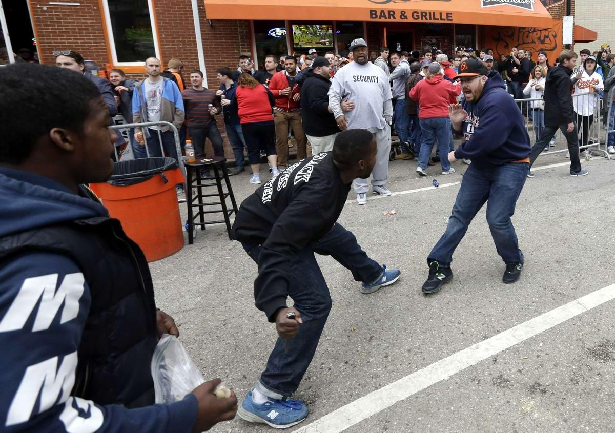 Конец полицейскому государству: Массовые протесты и уличные погромы в Балтиморе (США) (44)