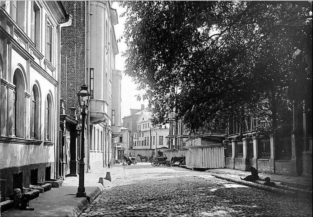 488. Филипповский переулок
