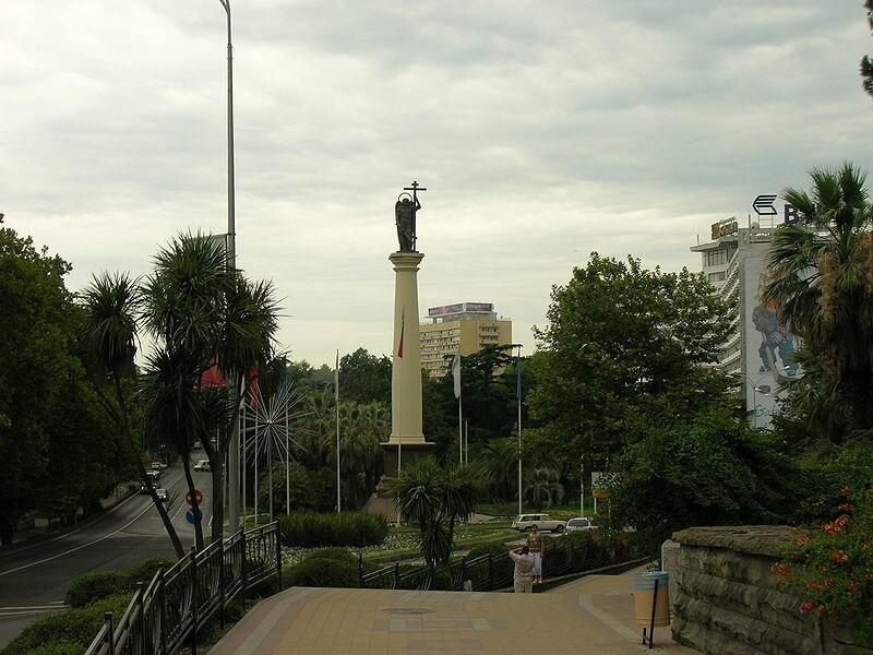 BSNews. Памятник Архангелу Михаилу в Сочи. Фото с сайта wikimedia