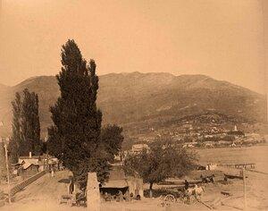 Вид селения у моста близ дороги на Учан-Су. Ялта