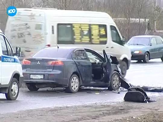 В ДТП с LADA и Mitsubishi в Красном Селе погибли три человека