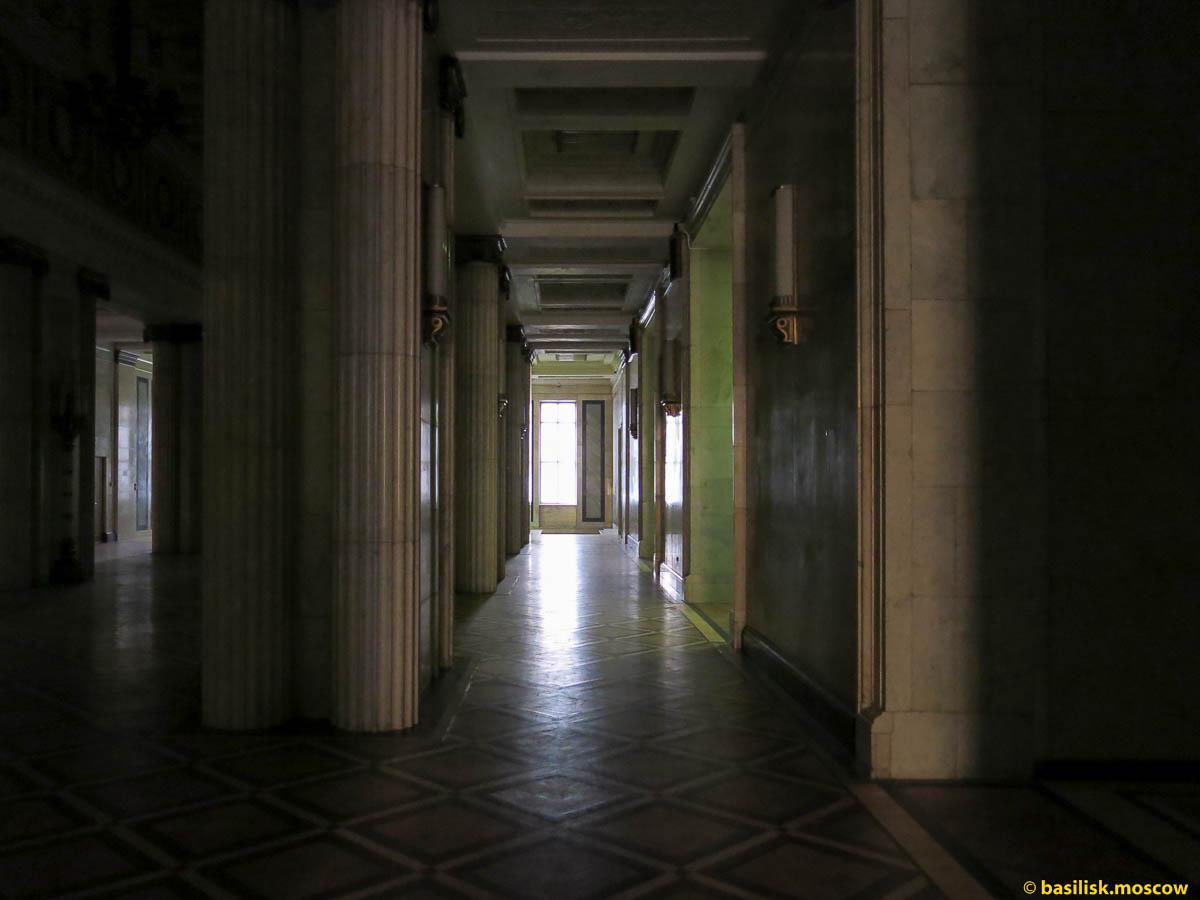 Главное здание МГУ. Декабрь 2013.