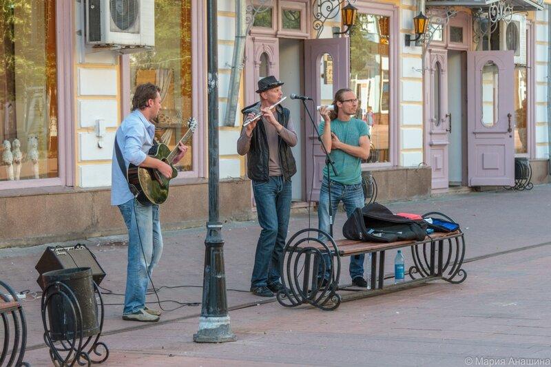 Уличные музыканты, Тверь, Трехсвятская улица