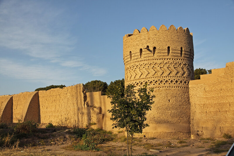 Стены сада Доулат Абад